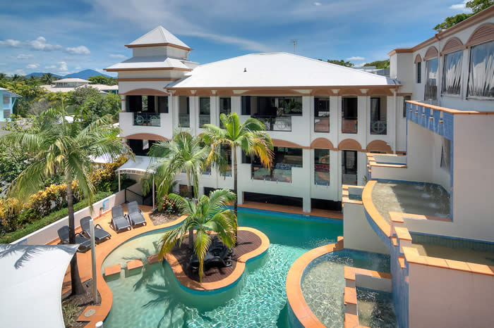 Regal Port Douglas poolview